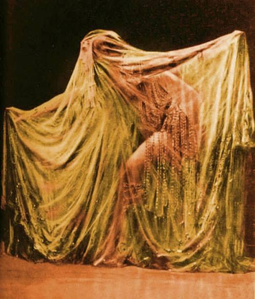 Veiled Ladies: Ida Rubinstein as Salome
